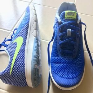 Nike women's 11 flex experience RN 6 running shoes